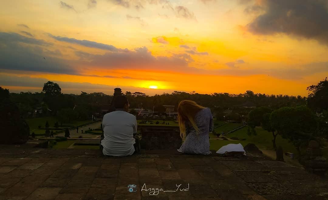 Suasana sunset di Candi Penataran via Instagram angga040192